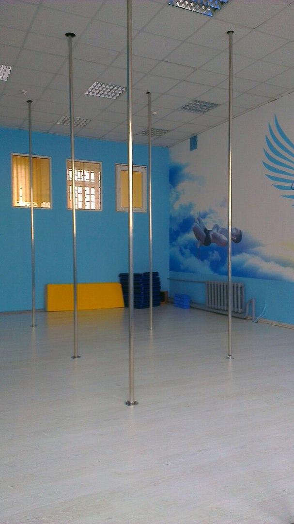 Студія танців на пілоні в г. Киев «Heaven»